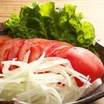 ■トマトとオニオンのシンプルサラダ