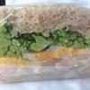 ローズベーカリー オン・ザ・ラン - 料理写真:エッグとエビのサンドイッチの断面