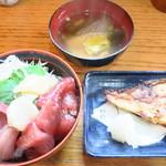 65265765 - 海鮮丼+焼魚(赤魚かすづけ)