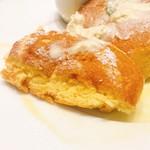 幸せのパンケーキ - 幸せのパンケーキ @1,100円 半熟カステラのようなふわふわシュワシュワな柔らかな生地。