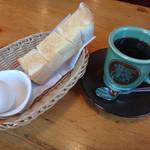 コメダ珈琲店 - 料理写真:アメリカンコーヒーのモーニング付き