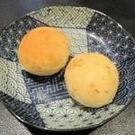 ニーニャ・ニーニョ桜小町 - 桜小町のお得なお昼セット の 白ゴマのパン