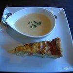 ポーズカフェ - 野菜のスープ キッシュ