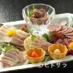寿司割烹 魚徳 - 鯨盛り合わせ