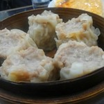中国料理 登龍 - お肉たっぷり、中はジューシー。