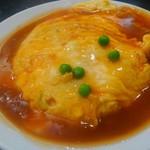 中国料理 登龍 - 餡たっぷり、卵はとろっとろ。大きさは他のお店では、大盛りでしょうね。