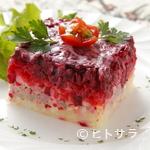 ミンスクの台所 - 鮮やかな紫色のビーツを使った『ニシンとビーツのサラダ』