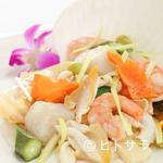 中国料理 桃華樓 - 海鮮の塩炒め+ご飯、スープ、漬物、本日のデザート