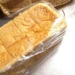 65286852 - 国産小麦湯種食パン。