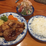 アリエスカ - 料理写真:黒豚ステーキ、1900円。