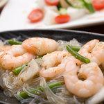 紅まる - プリプリの海老と韓国春雨の塩炒め