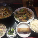 台湾料理 鴻翔 - ラーメンも八宝菜も普通に一人前。