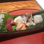 井がわ - 鰹、アオリイカ、赤貝、とり貝、桜鯛のお造り