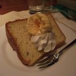 カサ・トリアングロ - シフォンケーキはオーナーシェフが毎日焼いています