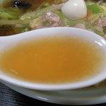 中華料理 大勝軒 - 広東メンのスープ