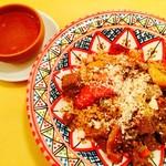 65306706 - クスクス 豚タンとパプリカの赤ワイントマト煮込み