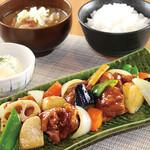満天食堂 - 彩野菜と鶏の黒酢あん定食