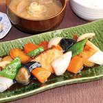 満天食堂 - 彩野菜と真鱈の黒酢あん定食