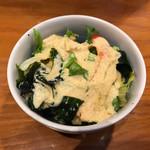 板前寿司 - ついてくるサラダ。ごまドレで普通に美味しい。