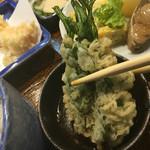 竹梅 - 春菊の天ぷら