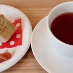 クアッカ - シフォンケーキ/紅茶