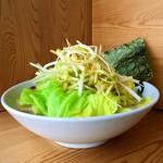 博多拉麺 KAZU - 【おすすめトッピング】キャベツ+味付白ネギ