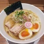 らぁめん 真 - 【醤油 + 半熟味付玉子】¥750 + ¥100