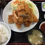 金ちゃん食堂 - 料理写真:ジャンボチキンカツ定食680円