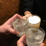 Haru - 店主とお酒初体験のバイトとかんぱーい