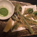 65332246 - 山菜の天ぷら ¥520