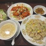 香港名菜 王道  - 料理写真:王道Aセット(906円) エビチリ