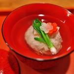 祇園 大渡 - かにしんじょうは蟹の身がたっぷり。口にいれるとホロリとくずれます。お出汁との絶妙なコントロール。