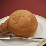マゼランズ - パンはおかわり自由です