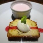 トラットリア・モキチ - 酒粕パウンドケーキと桜のパンナコッタ