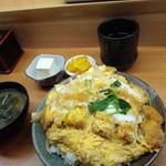 65347444 - わらじカツ丼1200円・全景