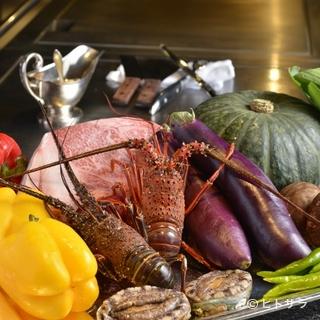 季節ごとの旬の素材と地元・宮崎の食材を使用