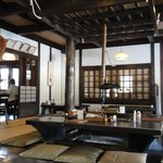 三瀬そば - 店内は綺麗な古民家風です。
