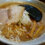 赤羽京介 - 「京介ラーメン」 濃厚スープはかなりのトロトロ味