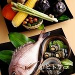 nano-花 - 地元由良港で水揚げされた魚介類が使われています