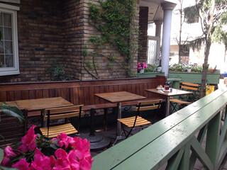 トロ コーヒーアンドベーカリー - 変形のテラス席