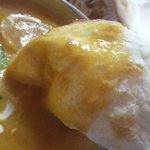インドカレー カマナ - ナンはふんわりモッチリです。