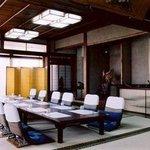千茂登 - 静かな落ち着いた歴史あるたたずまいの街中にある創業八十年の老舗料亭「千茂登」