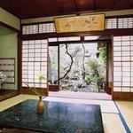 千茂登 - 大正浪漫を感じる日本建築を利用し伝統とこだわりが随所に感じられる。