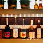 酒茶論 - 艶やかな琥珀色を湛える常温熟成の古酒