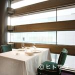 レストラン タテル ヨシノ 銀座 - プライベートを尊重する個室からも絶景の景色が広がります