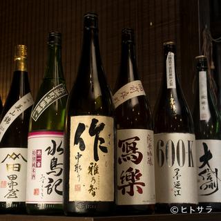 蕎麦に合う日本酒、焼酎、ワイン、果実酒など幅広く揃います