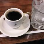 コンパル - アイスコーヒー(注ぎ前)