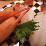 回転寿司 海鮮料理 魚魚市場 - ぼたん海老(有頭) 620円