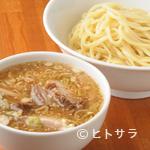 上田らあめん はち - うどんのような喉ごしと食感を楽しめる『つけ麺』