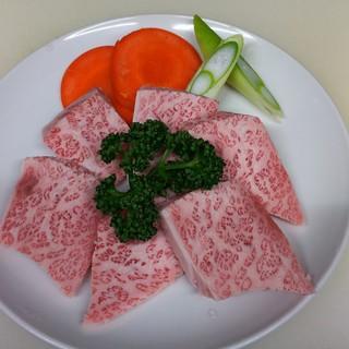 【お肉のプロが選ぶ厳選肉】30年以上の経験を持つ料理長が厳選